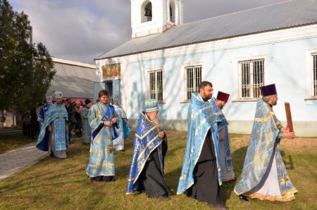 Архиерейское Богослужение в день престольного праздника Введенского храма г. Цюрупинска