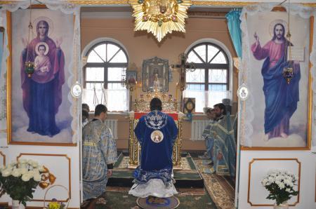 Архиерейская служба в день престольного праздника Знаменского храма Херсона