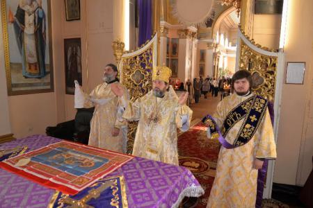 Архиерейское богослужение в день памяти святителя Спиридона Тримифунтского в кафедральном соборе Херсона