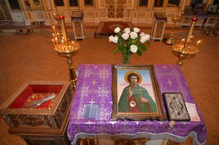 Митрополит Иоанн совершил акафист мученику Вонифатию у его святых мощей