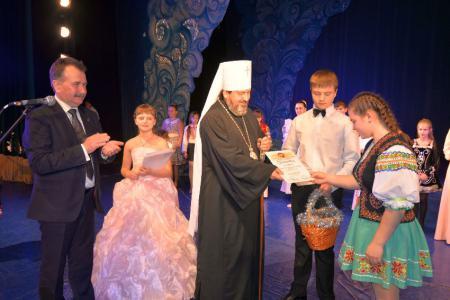 В Херсоне прошел 9-й городской христианский фестиваль детского творчества «Остров Рождества»