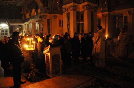 Ночная литургия в Свято-Духовском кафедральном соборе Херсона