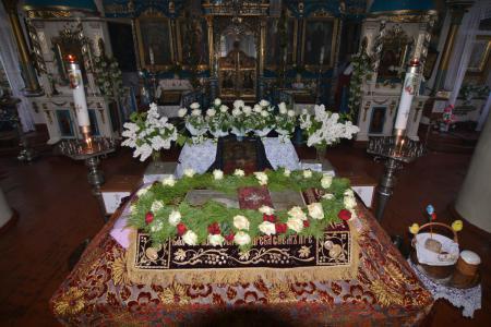 В Великую Субботу митрополит Херсонский Иоанн посетил херсонские храмы