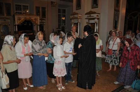 Ночная литургия в Свято-Духовском кафедральном соборе Херсона в день скорби и памяти жертв войны в Украине