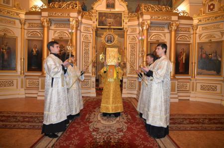 Всенощное бдение в Свято-Духовском кафедральном соборе Херсона