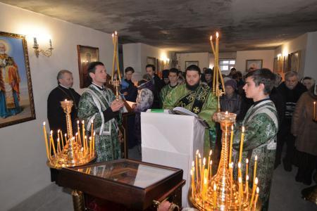 Архиерейское богослужение в церкви святого праведного Иоанна Кронштадтского
