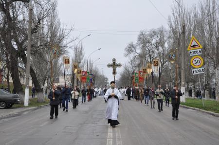 В день праздника Крещения Господня в Херсоне состоялся традиционный Крестный ход и освящение вод Днепра
