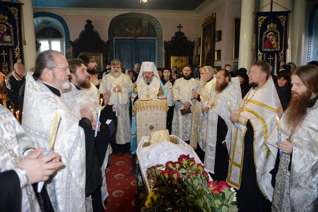 Митрополит Иоанн Херсонский и Таврический Иоанн отпел настоятеля Греко-Софиевского храма
